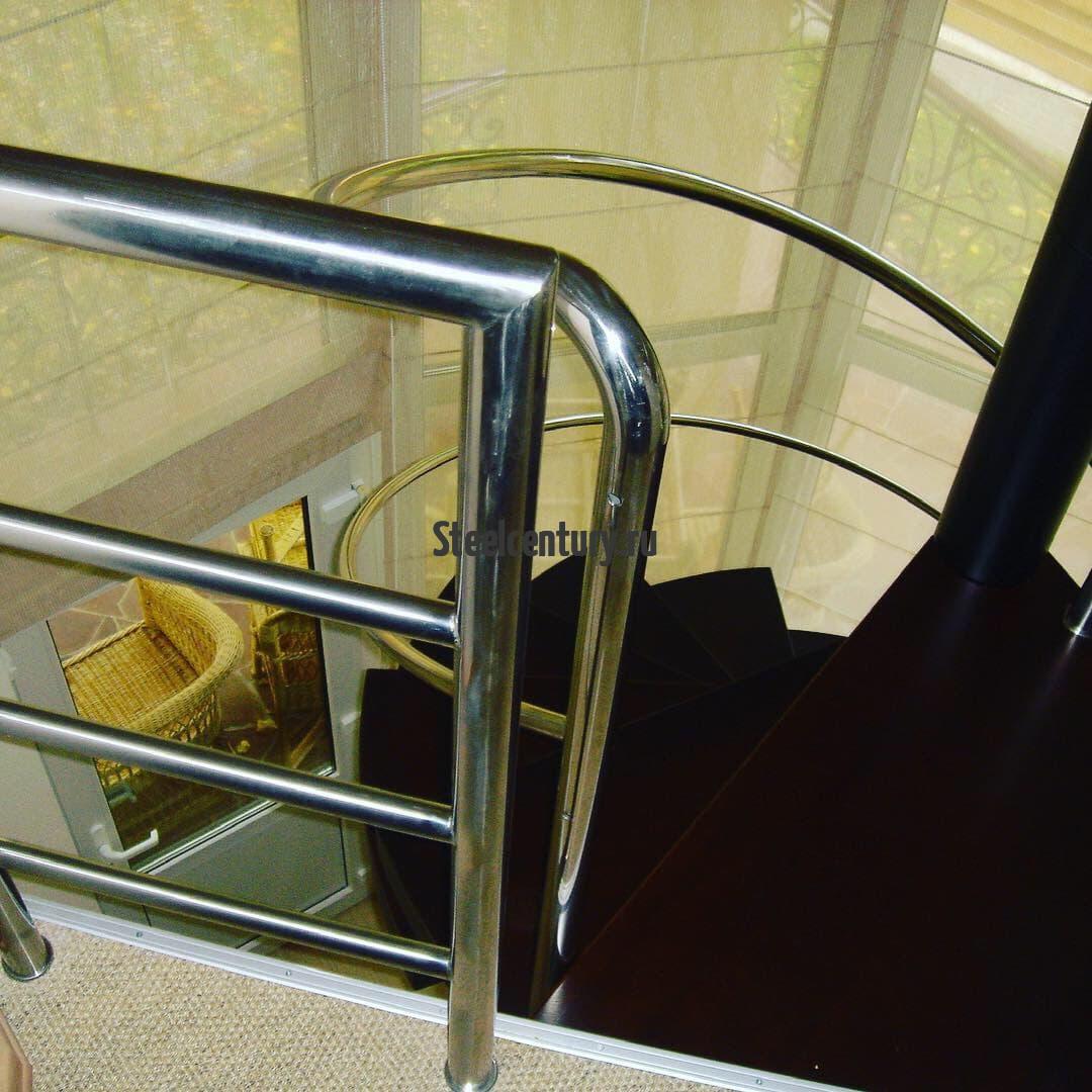 Лестница в офис